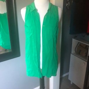 H&M green button up, size 2 💚